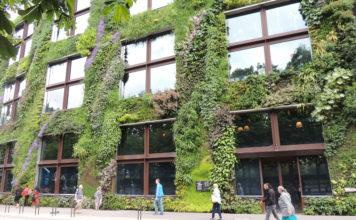 Vertical greening Paris